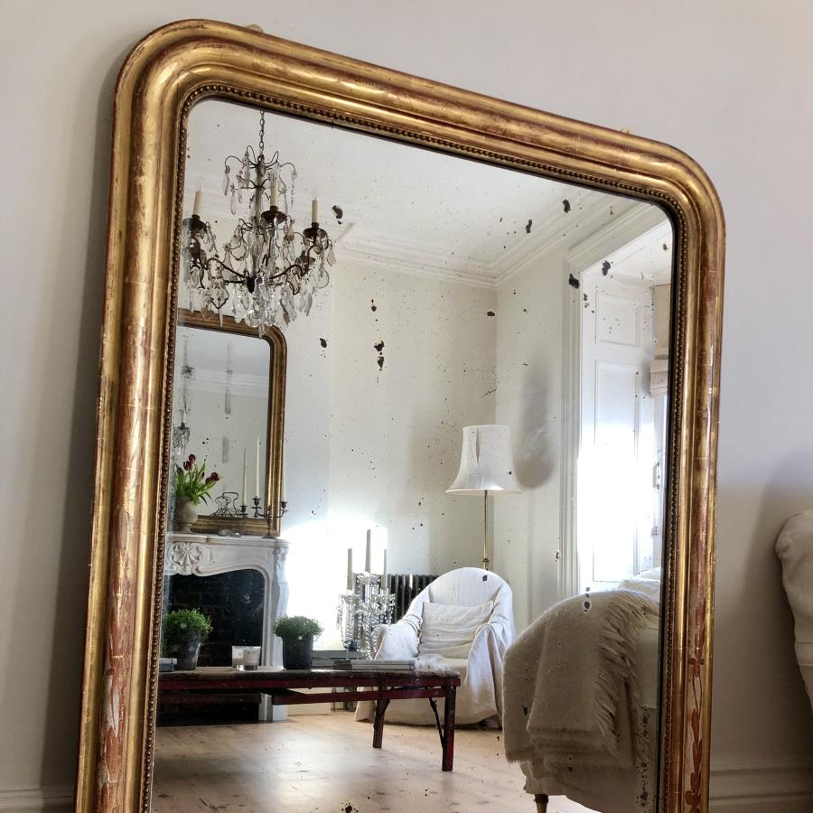 Antique French 19th century Louis Philippe gilt mirror