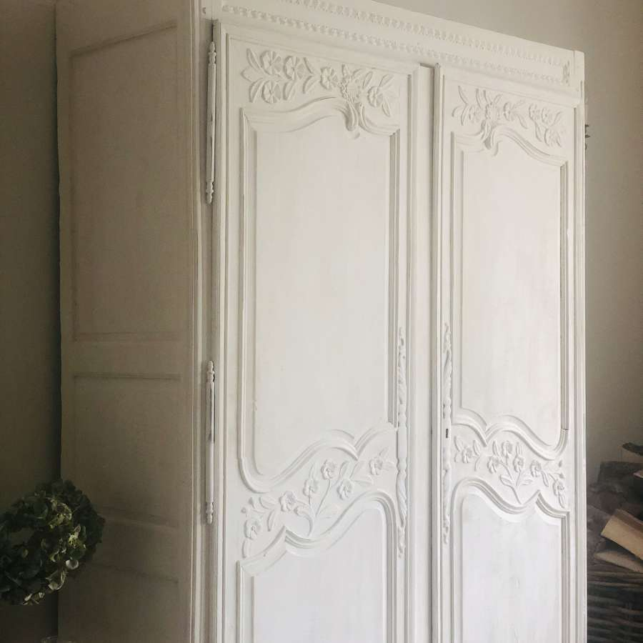 Antique French painted oak armoire/wardrobe/linen press - hanging rail