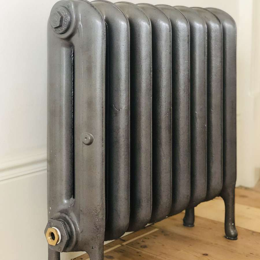 Antique cast iron radiator - princess