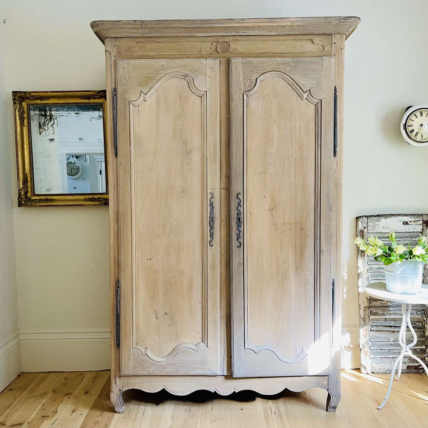 19th century French oak armoire wardrobe with hanging rail